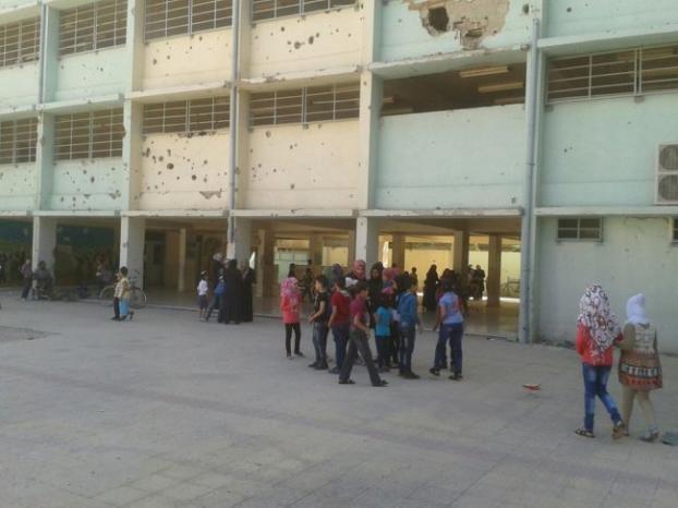 منظمة التحرير في دمشق تكرم المعلمين المتطوعين في مخيم اليرموك ويلدا
