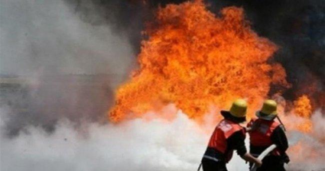حريق كبير على مدخل العيزرية يتسبب بأزمة