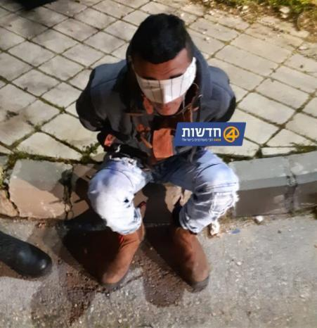 فيديو  الاحتلال يعتقل الفتى يوسف عايش ويرغم والدته التوقيع على قرار الاعتقال