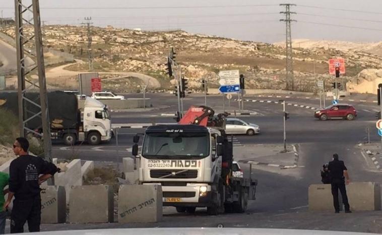 الخليل: الاحتلال يغلق حاجز شارع الشهداء ويمنع تنقل المواطنين