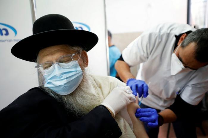دولة الاحتلال تستعد لجولة جديدة من التطعيمات ضد كورونا بعد 6 شهور