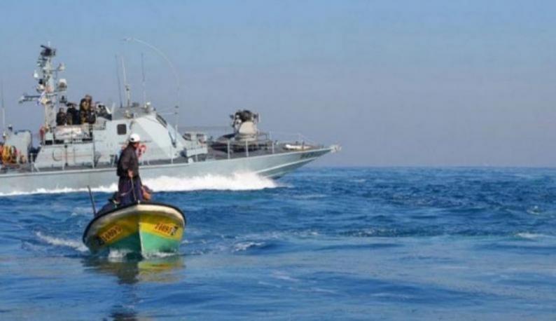 بحرية الاحتلال تهاجم الصيادين في بحر غزة