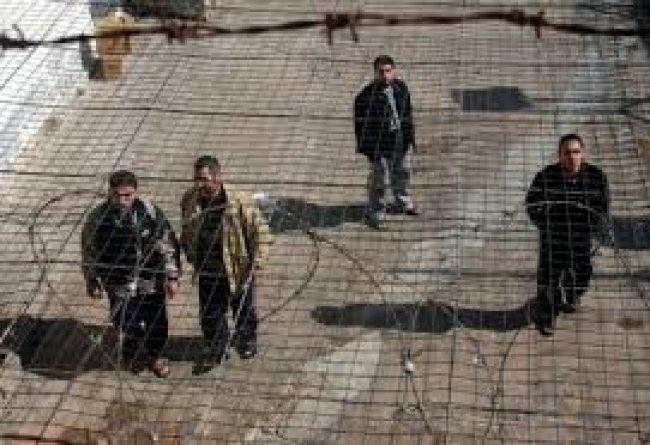 إردان يوصي بسلب حقوق الأسرى الفلسطينيين
