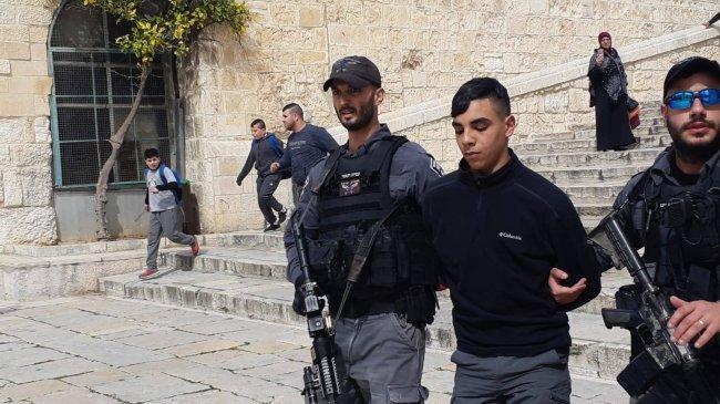 """الاحتلال اعتقل 315 مقدسيا منذ بدء أحداث """"باب الرحمة"""""""