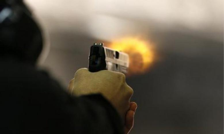 إصابة 4 مواطنين برصاص مجهولين في الخليل