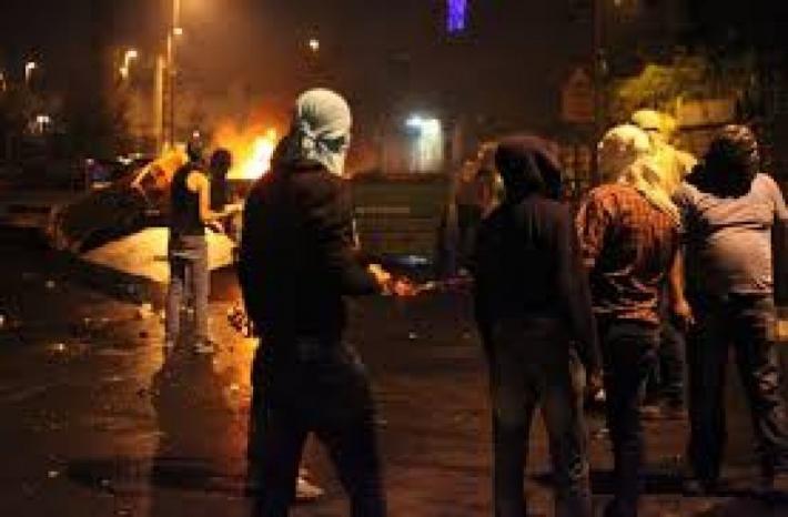 إصابة عشرات المواطنين بالاختناق خلال اقتحام قوات الاحتلال بيت أمر