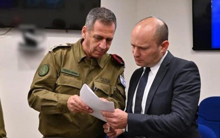 """وزير جيش الاحتلال يوقّع مرسوماً ضد رئيس """"المنظمة العربية لحقوق الإنسان"""" في المملكة المتحدة"""