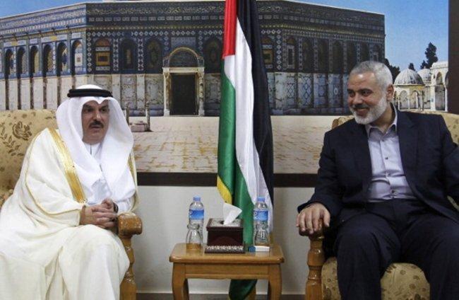 العمادي يلتقي هنية ويفتتح مشاريع بغزة