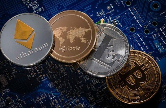 """العملات الرقمية بقيادة """"بيتكوين"""" تخسر 15 مليار دولار في ساعات"""