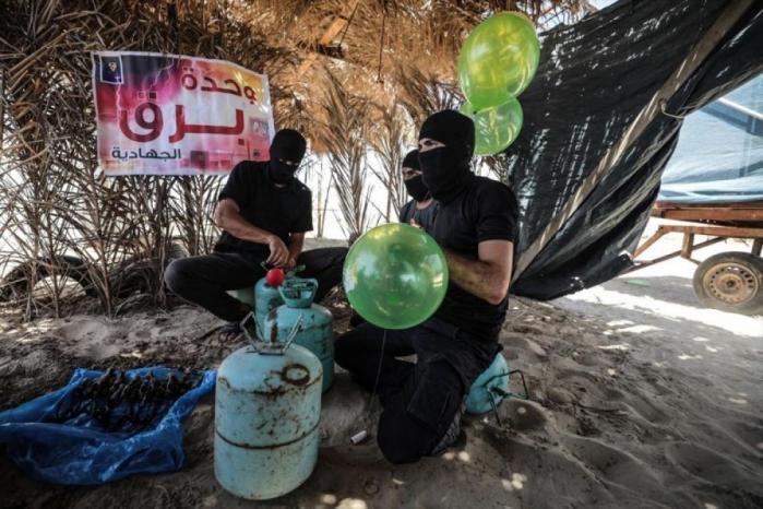 """البالونات الحارقة من غزة تعود """"لإرباك """" الاحتلال"""