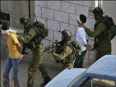 الاحتلال يعتقل 10 مواطنين بينهم طالبة في جامعة الخليل