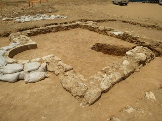 اكتشاف مسجد تعود آثاره إلى الحقبة الأموية جنوب فلسطين المحتلة