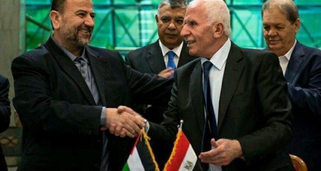 رسمياً.. وفدا حماس وفتح يوقعان اتفاق المصالحة في القاهرة