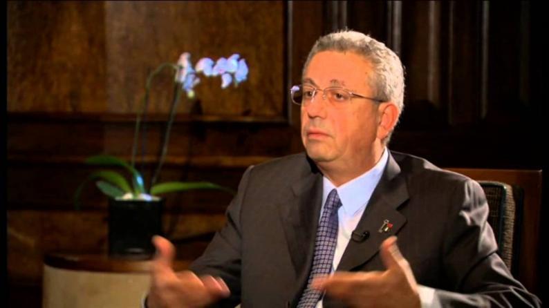 مصطفى البرغوثي: عنصرية نفتالي بنيت تقمع المتضامنين مع الفلسطينيين