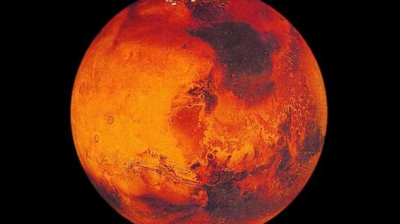 الكوكب الأحمر.. من أين استمد لونه المثير للحيرة؟
