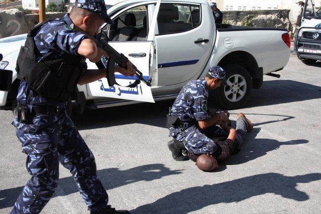 الشرطة تقبض على 6 اشخاص يشتبه بهم بحفر انفاق للتنقيب عن الاثار في بيت لحم