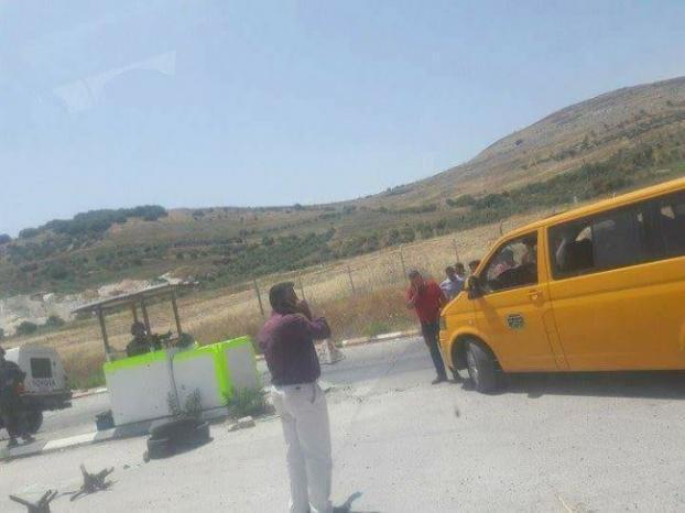 أزمة مرورية خانقة على حاجز حوارة جراء تفتيش الاحتلال مركبات المواطنين
