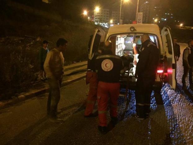 إصابتان بأعيرة معدنية خلال مواجهات مع الاحتلال في عينابوس