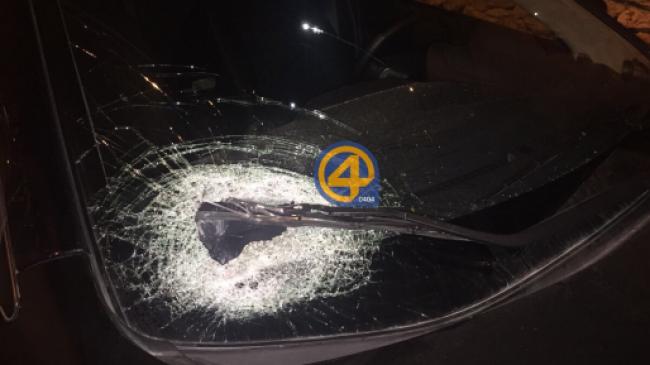 اصابة مستوطن جراء رشق حافلة تقله بالحجارة قرب بيت لحم