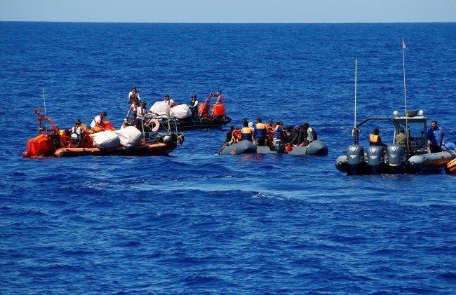 إنقاذ 41 مهاجرا قبالة السواحل الليبية