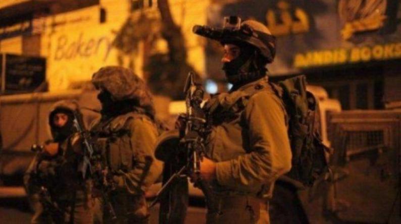 الاحتلال يعتقل مواطنا من بلدة عنبتا شرق طولكرم