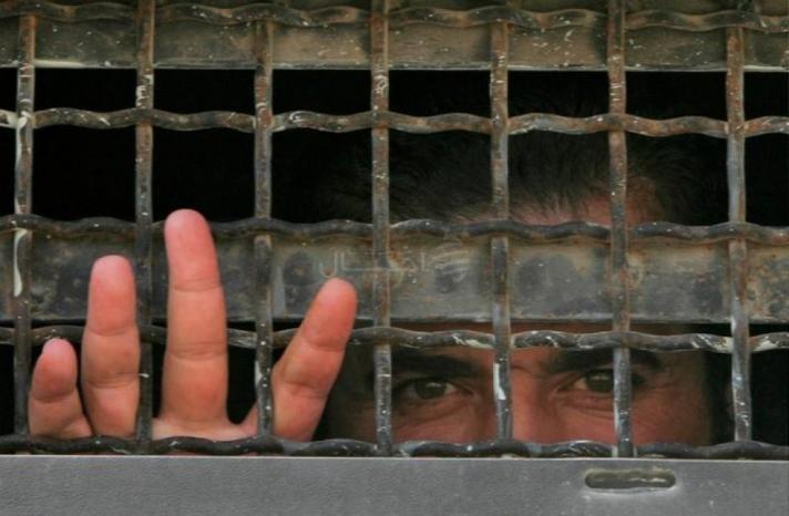 """هيئة شؤون الأسرى لوطن: طبيب """"إسرائيلي"""" كان يزور الأسرى في معتقل عسقلان تبيّن إصابته بـ""""كورونا"""""""