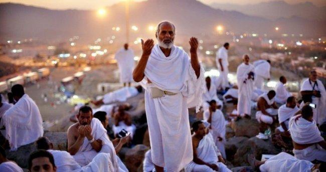 بعد منعها منذ سنوات.. مصر تبدي موافقة على تسيير رحلات معتمري غزة