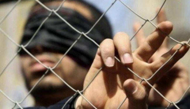 """الاحتلال يفصل الأسير القاصر ربيع أبو ربيعة عن والده بأوامر من """"الشاباك"""""""