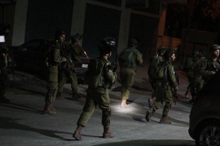 الاحتلال يعتقل شقيقين من جبع جنوب جنين على حاجز عسكري الحمرا