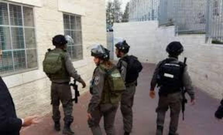 قوات الاحتلال تقتحم مدرسة جيت الثانوية في قلقيلية