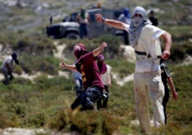 مستوطنون يهاجمون مزارعين في مادما جنوب نابلس