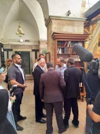 رئيس دولة الاحتلال يقتحم الحرم الإبراهيمي في الخليل