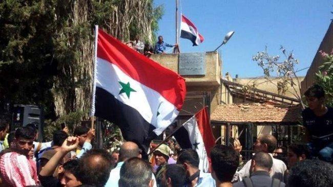 الإخبارية السورية: مدينة درعا أصبحت محررة بالكامل