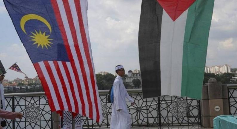 الاحتلال يمنع دخول الدبلوماسيين الماليزيين إلى الأراضي المحتلة