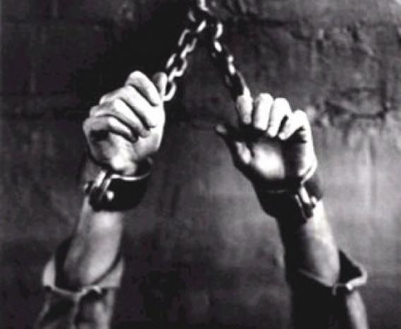 """الأسير علي كراكره يتعرض للتعذيب النفسي والجسدي في """"المسكوبية"""""""