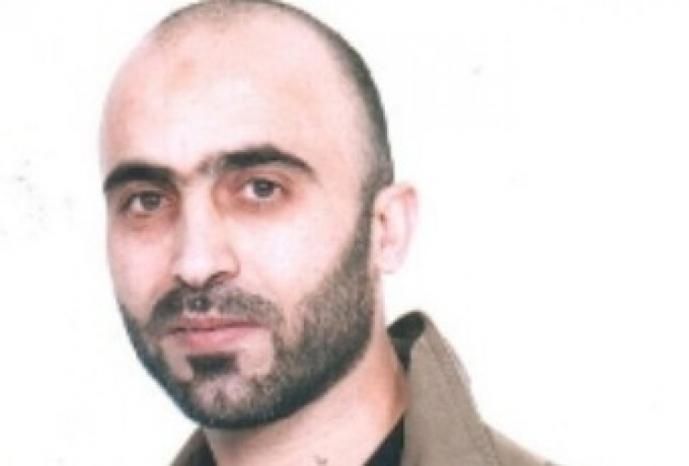 يواجه مشاكل حادة في القلب.. الأسير رياض العمور يدخل عامه الـ(20) في سجون الاحتلال