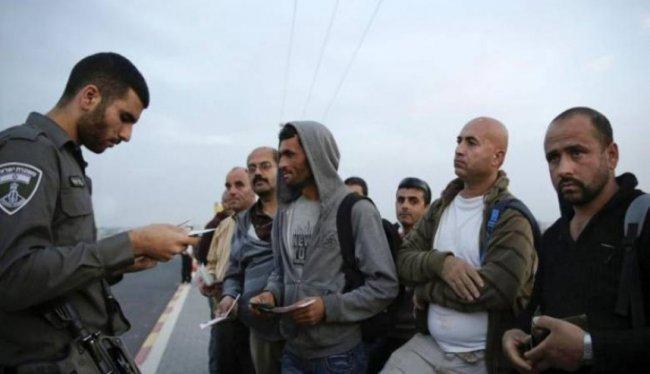 الاحتلال يعتقل 202 عاملاً من الضفة في النقب