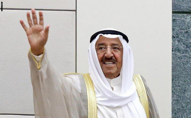 """أمير الكويت يدعو قواته إلى الجهوزية.. ويحذر من """"المستجدات الخطيرة"""" بالمنطقة"""