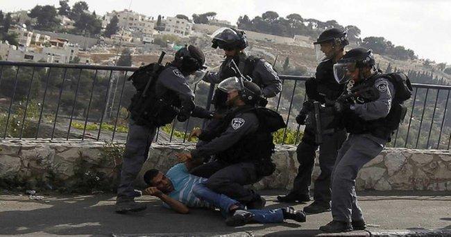 قوات الاحتلال تعتقل شابين من مخيم شعفاط