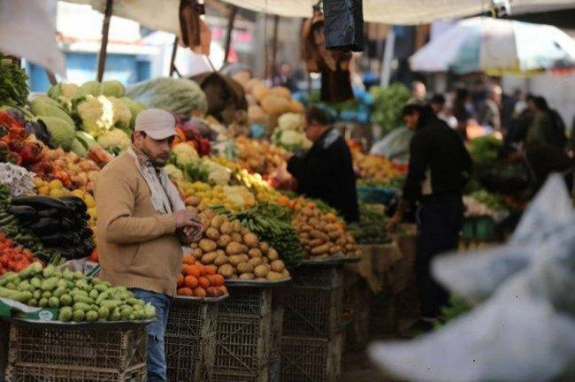 """خبيرا اقتصاد لوطن:أزمة السيولة التي تواجهها السلطة الفلسطينية تختفي بتحرير أموال المقاصة وبضغط دولي على """"إسرائيل"""""""