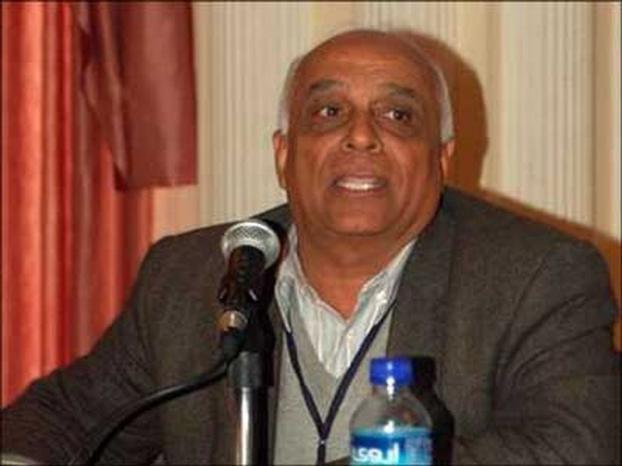 الاعتداء على الدكتور عبد الستار قاسم قبيل مقابلة صحفية في نابلس