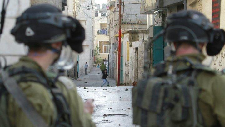 بالفيديو... جنود الاحتلال يهنئون أنفسهم بإطلاق النار على أحد المواطنين