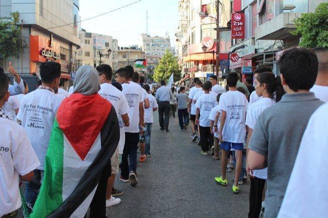 صور.. الآلاف يركضون حول العالم من أجل التعليم في فلسطين