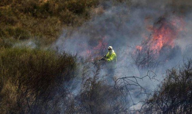 جيش الاحتلال: استمرار الحرائق بالغلاف سيدحرج الأمور لضربة عسكرية