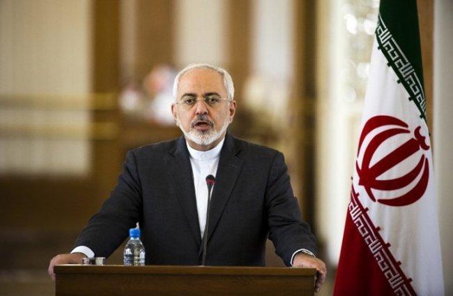 ظريف: بولتون ونتنياهو يحرّضان ترامب على إيران