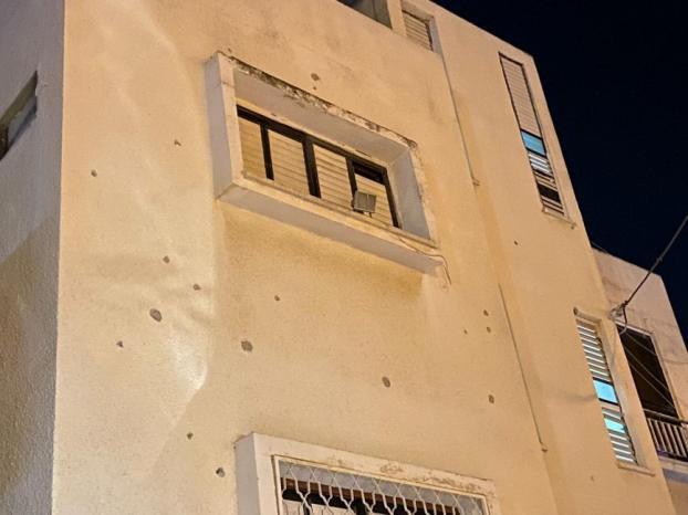 إطلاق النار على منزل ومركبة صحافي من الطيبة بالداخل المحتل
