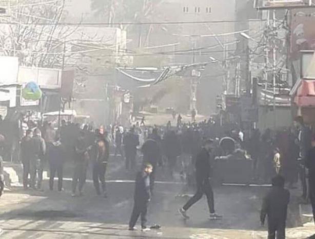 فيديو | بعد يوم من القمع.. مظاهرة جديدة في دير البلح رافضة للغلاء وزيادة الضرائب