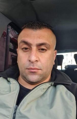 قوات الاحتلال تزيل صورة الشهيد المقدسي نور شقير من محيط منزل والده