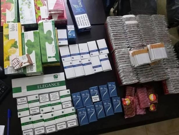 ضبط دخان ومعسل غير قانوني في نابلس