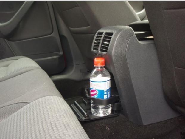 احذر.. زجاجة الماء قد تحرق سيارتك !